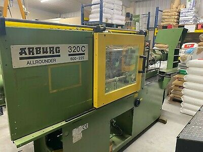 Arburg 60T Plastic Injection Moulding Machine - Arburg 320C - Year 1996 • 2,000£