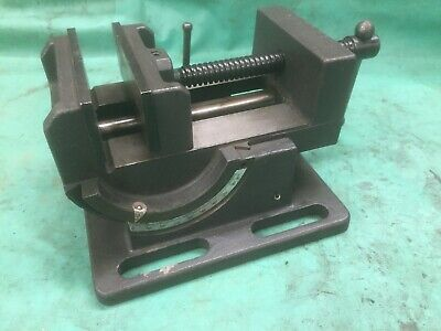 Tilting Machine Vice, 4 Inch Wide Jaws X 4 Inch Opening . • 25£